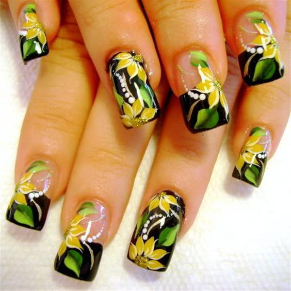 Creative Yet Cute Yellow Nail Art Designs-2