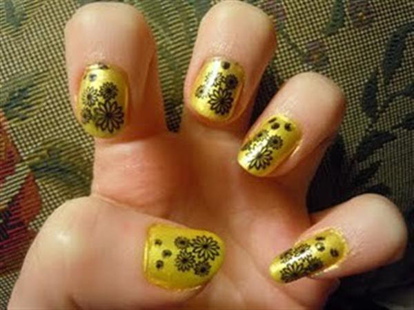 Creative Yet Cute Yellow Nail Art Designs-6
