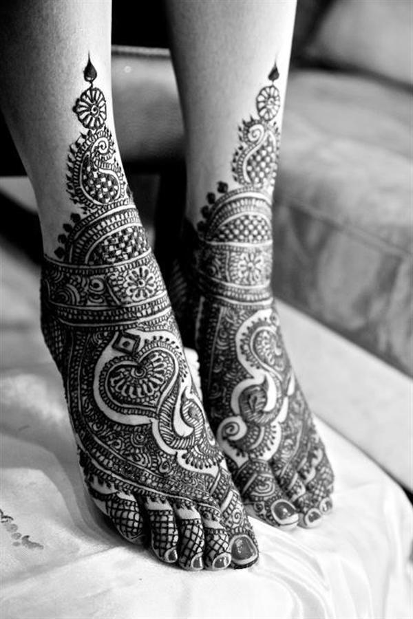Elegant Henna Designs: Simple Yet Elegant Mehndi & Henna Designs For Feet