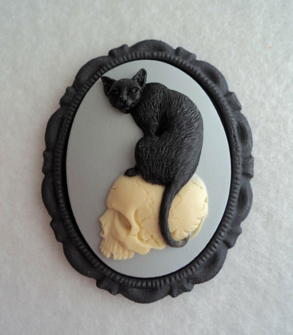 Awesome Inspiring Cameo Brooches From Etsy 2 Awesome & Inspiring Cameo Brooches From Etsy
