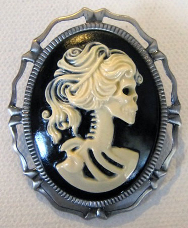 Awesome Inspiring Cameo Brooches From Etsy 4 Awesome & Inspiring Cameo Brooches From Etsy