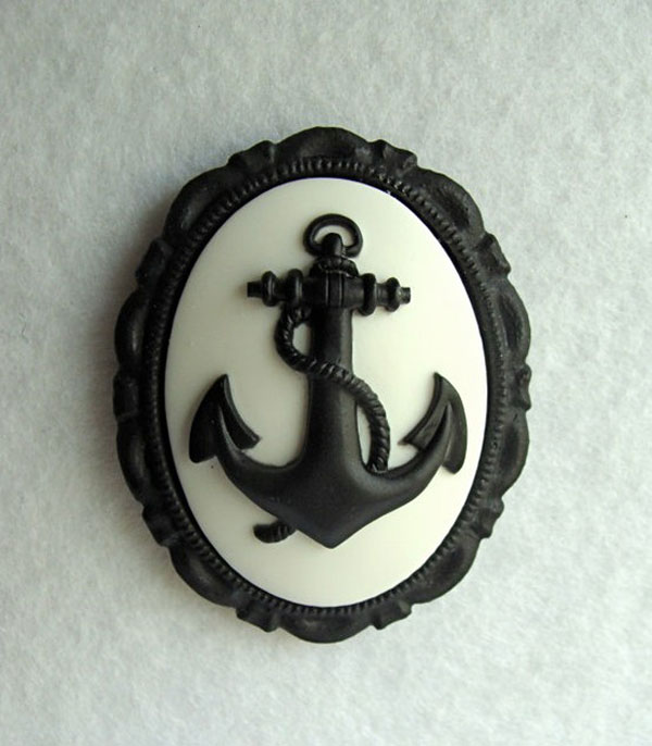 Awesome Inspiring Cameo Brooches from Etsy 1 Awesome & Inspiring Cameo Brooches From Etsy