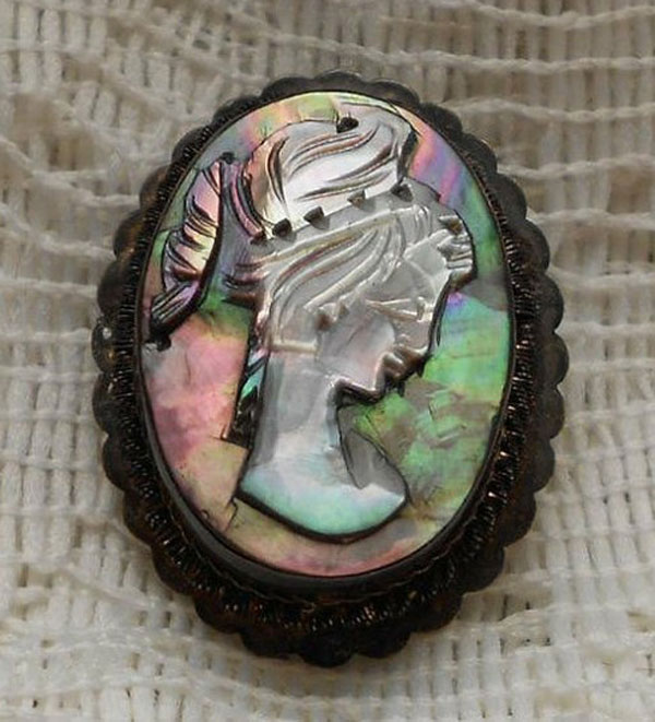 Awesome Inspiring Cameo Brooches from Etsy 7 Awesome & Inspiring Cameo Brooches From Etsy