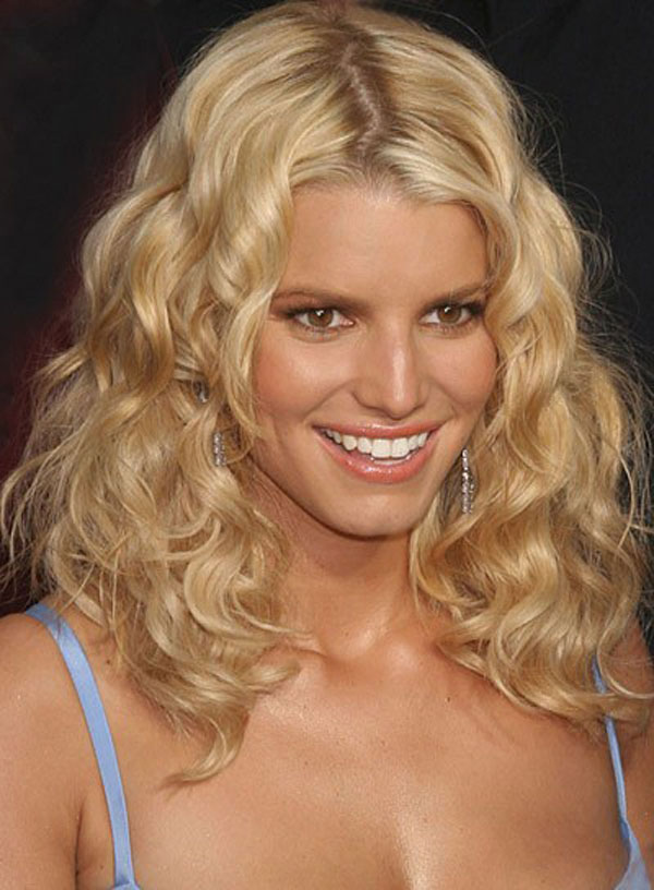 12-Pictures-Of-Jessica-Simpson-Short-Hairstyles-2