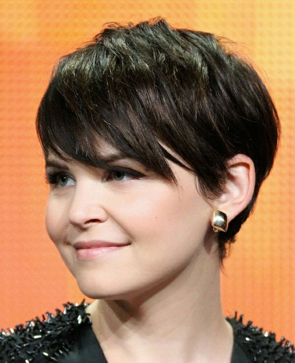 Model 27 Exquisite Easy Short Hairstyles  CreativeFan