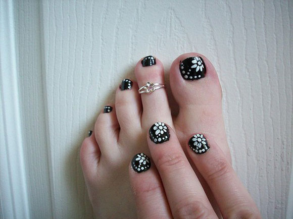 15-Best-Simple-Black-Nail-Art-Designs-Supplies-Galleries-For-Beginners-15