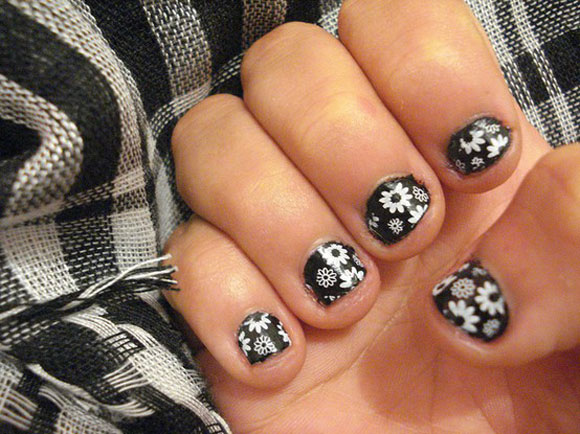 15-Best-Simple-Black-Nail-Art-Designs-Supplies-Galleries-For-Beginners-7