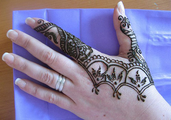 30 Very Simple Easy Best Mehndi Patterns For Hands Feet 2012 Henna Designs For Beginners 13 30 Very Simple, Easy & Best Mehndi Patterns For Hands & Feet 2012 | Henna Designs For Beginners