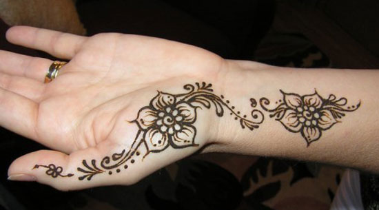 30 Very Simple Easy Best Mehndi Patterns For Hands Feet 2012 Henna Designs For Beginners 17 30 Very Simple, Easy & Best Mehndi Patterns For Hands & Feet 2012 | Henna Designs For Beginners