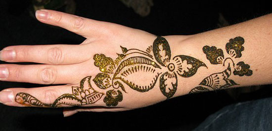 30 Very Simple Easy Best Mehndi Patterns For Hands Feet 2012 Henna Designs For Beginners 18 30 Very Simple, Easy & Best Mehndi Patterns For Hands & Feet 2012 | Henna Designs For Beginners