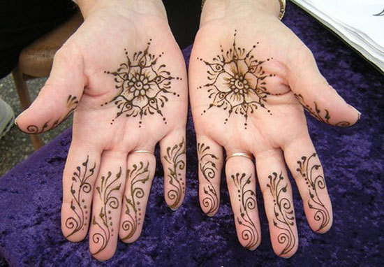 30 Very Simple Easy Best Mehndi Patterns For Hands Feet 2012 Henna Designs For Beginners 5 30 Very Simple, Easy & Best Mehndi Patterns For Hands & Feet 2012 | Henna Designs For Beginners