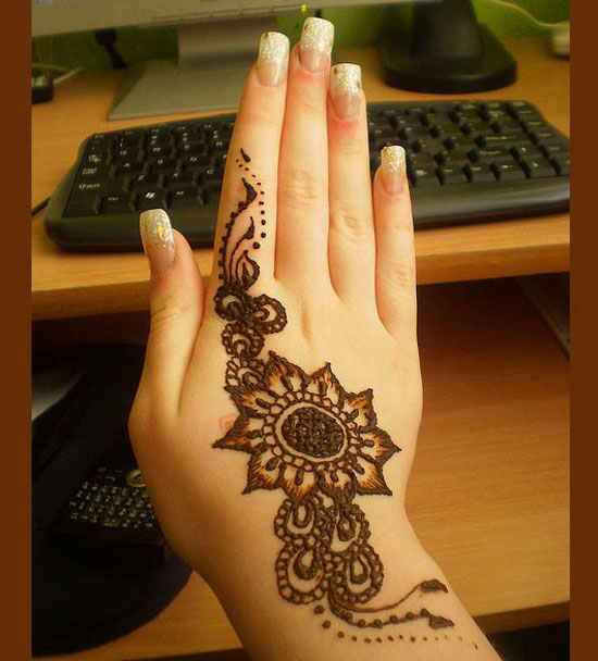 30 Very Simple Easy Amp Best Mehndi Patterns For Hands Amp Feet 2012  H