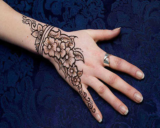 40 Photos Of Simple Yet Elegant Arabic Mehndi Henna Designs 2012 For Hands Feet 11 40 Photos Of Simple Yet Elegant Arabic Mehndi & Henna Designs 2012 For Hands & Feet