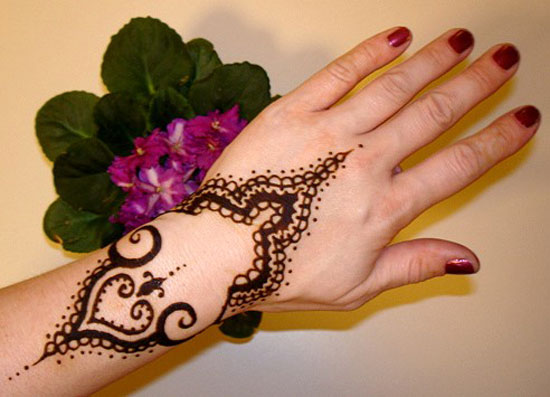 40 Photos Of Simple Yet Elegant Arabic Mehndi Henna Designs 2012 For Hands Feet 13 40 Photos Of Simple Yet Elegant Arabic Mehndi & Henna Designs 2012 For Hands & Feet