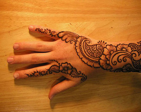40 Photos Of Simple Yet Elegant Arabic Mehndi Henna Designs 2012 For Hands Feet 14 40 Photos Of Simple Yet Elegant Arabic Mehndi & Henna Designs 2012 For Hands & Feet