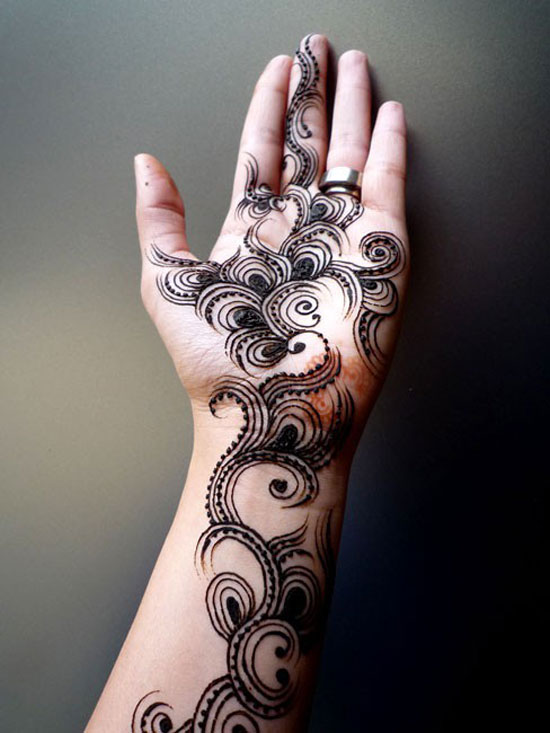 Elegant Henna Designs: 40 Photos Of Simple Yet Elegant Arabic Mehndi & Henna