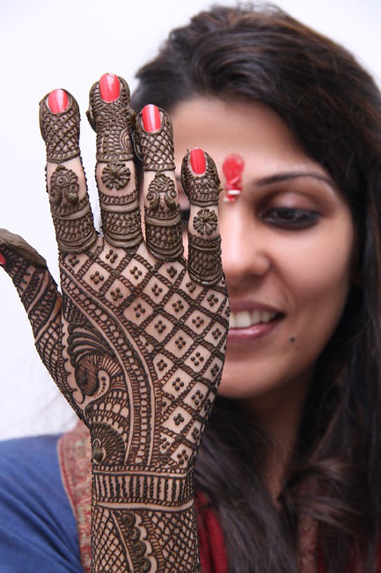 40 Best Eid Mehndi Designs Henna Patterns For Full Hands Feet 2012 16 40 Best Eid Mehndi Designs & Henna Patterns For Full Hands & Feet 2012