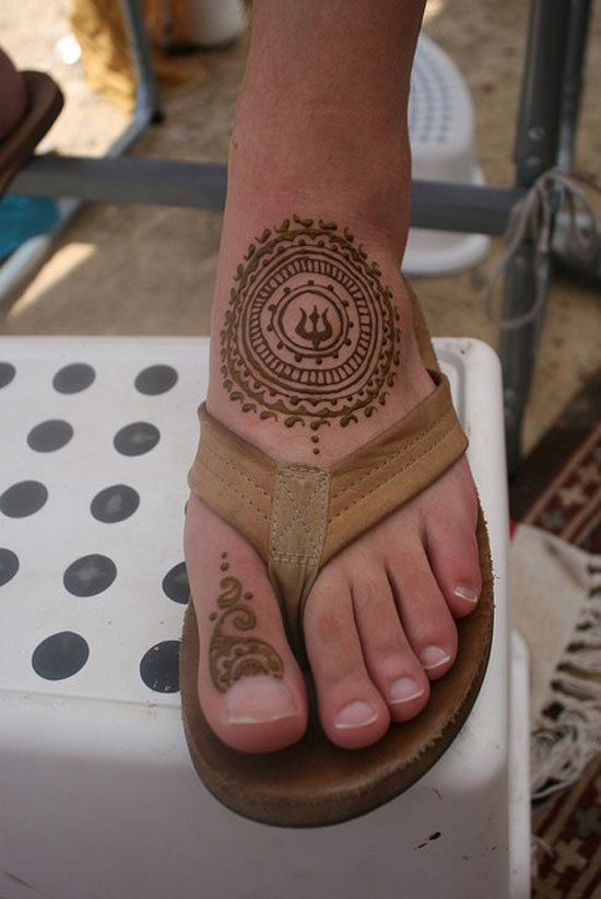 40 Best Eid Mehndi Designs Henna Patterns For Full Hands Feet 2012 29 40 Best Eid Mehndi Designs & Henna Patterns For Full Hands & Feet 2012