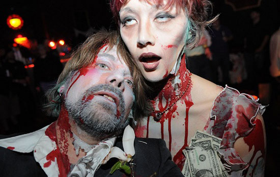15 Scary Creative Yet Unique Halloween Costume Inspirational Ideas 2012 For Couples 8 15 Scary, Creative Yet Unique Halloween Costume Inspirational Ideas 2012 For Couples