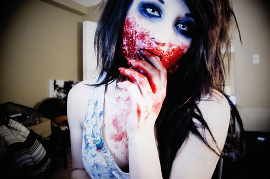 15-Scary-Halloween-Face-Make-Up-Looks-Ideas-6