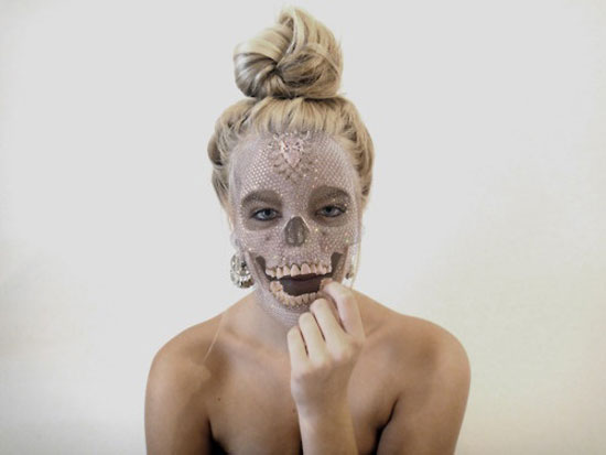 15-Scary-Halloween-Face-Make-Up-Looks-Ideas-8