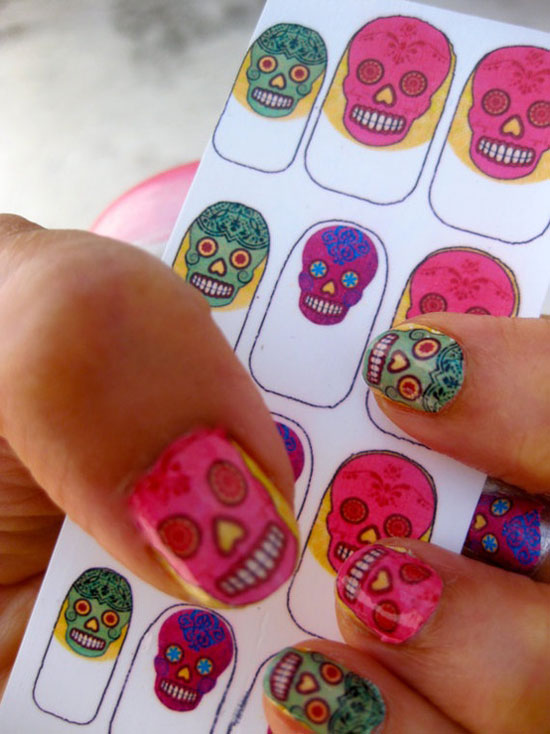 25 Best Scary Halloween Nail Art Designs Ideas 2012 19 25 Best & Scary Halloween Nail Art Designs & Ideas 2012
