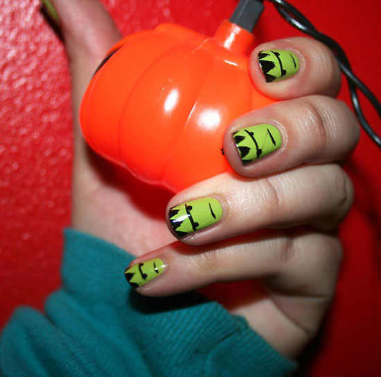 25 Simple Easy Scary Halloween Nail Art Designs Ideas Pictures 2012 1 25 Simple, Easy & Scary Halloween Nail Art Designs, Ideas & Pictures 2012