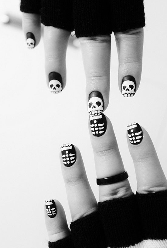 25 Simple Easy Scary Halloween Nail Art Designs Ideas Pictures 2012 16 25 Simple, Easy & Scary Halloween Nail Art Designs, Ideas & Pictures 2012