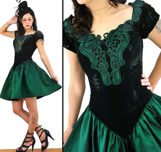 20 Best Christmas Dresses Costumes Outfits 2012 For Teen Girls Women 2 20 Best Christmas Dresses, Costumes & Outfits 2012 For Teen Girls & Women