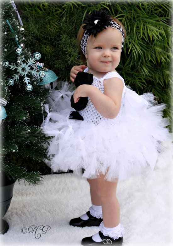 25 Best Christmas Costumes Outfit Ideas 2012 For Newborn Baby Girls Kids 14 25 Best Christmas Costumes & Outfit Ideas 2012 For Newborn Baby Girls & Kids