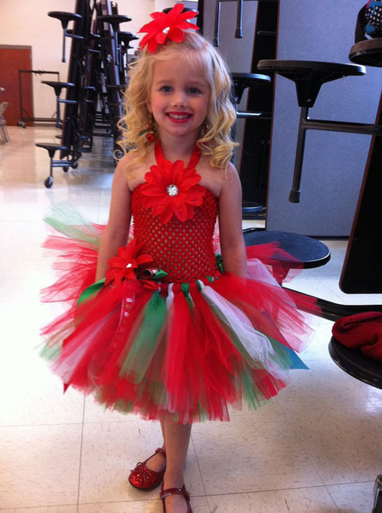 25 Best Christmas Costumes Outfit Ideas 2012 For Newborn Baby Girls Kids 22 25 Best Christmas Costumes & Outfit Ideas 2012 For Newborn Baby Girls & Kids