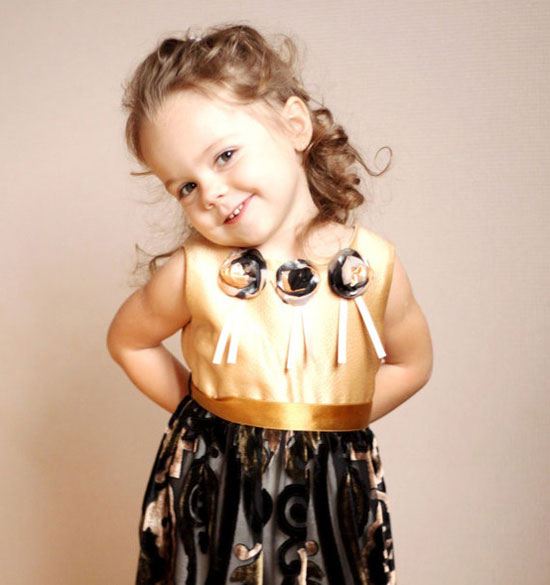 15-Beautiful-Cute-Christmas-Dresses-Outfits-2012-For-Newborn-Baby-Girls-Kids-13