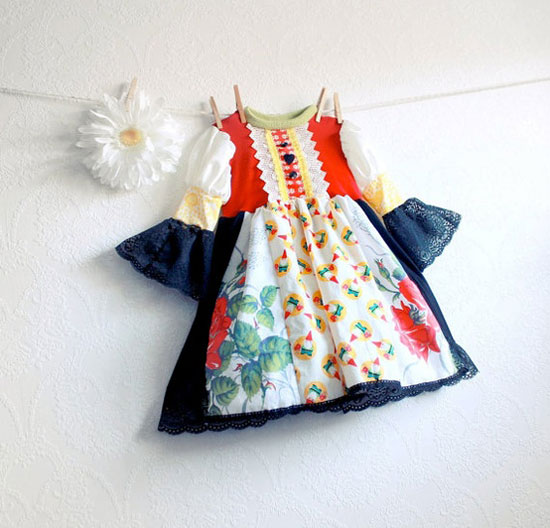 15-Beautiful-Cute-Christmas-Dresses-Outfits-2012-For-Newborn-Baby-Girls-Kids-2