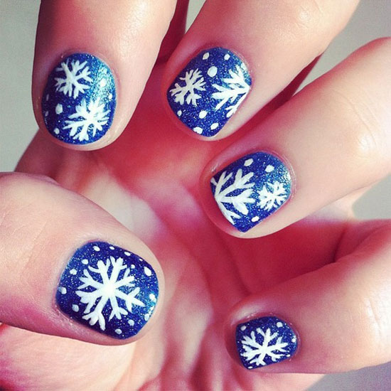 Snowflake design on nails graham reid inspiring winter snowflake nail art ideas designs 20122013 prinsesfo Image collections