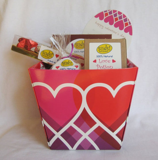 15 Best & Inspiring Valentine's Day Basket Ideas 2013 For Him